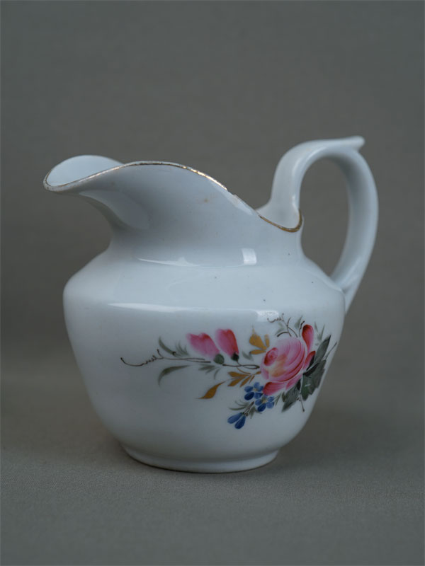 Антиквариат. молочник, советский фарфор