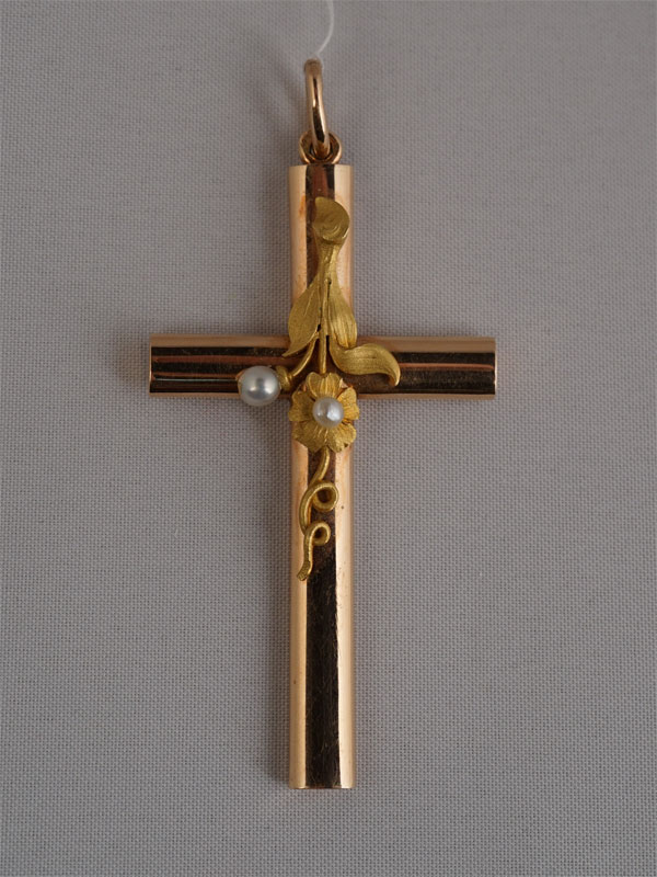 Подвеска «Крест», золото 56пробы, общий вес— 12,36г. Вставки: природный жемчуг