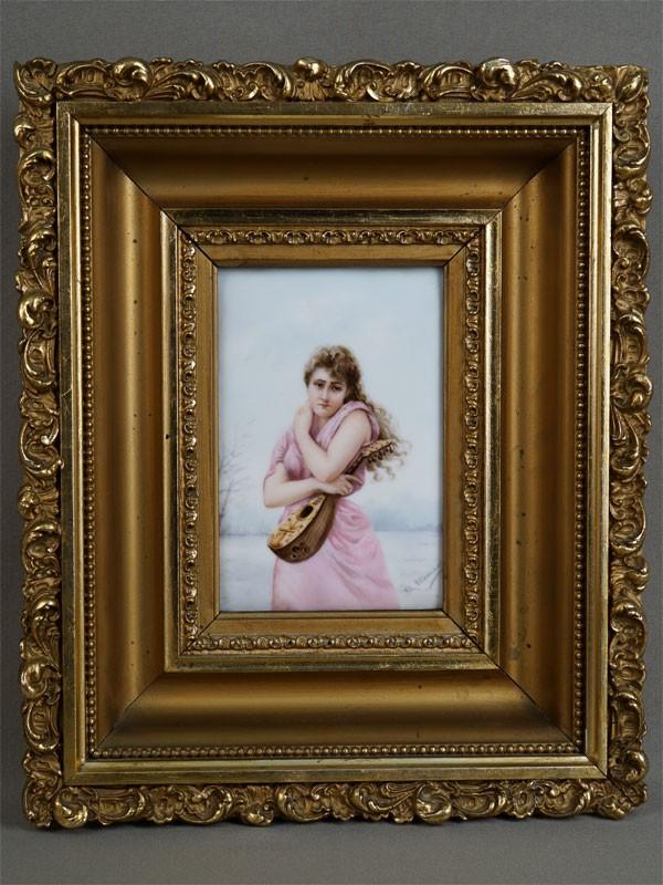 Антиквариат. «Девушка и мандолина», фарфоровый пласт. музыка. музыкант
