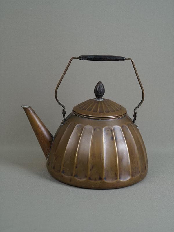 Антиквариат. старинный Чайник медный