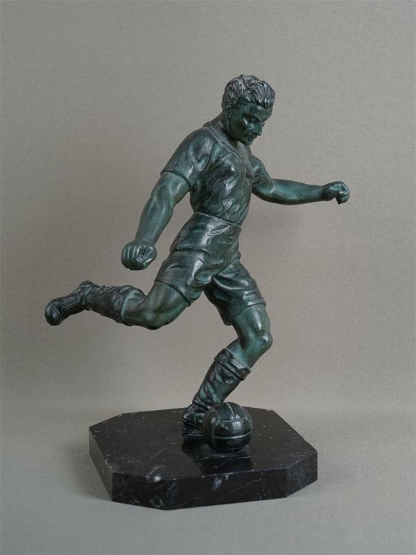 Антиквариат. скульптура, фигура, спорт, футбол, футболист, шпиатр, камень, 20 век