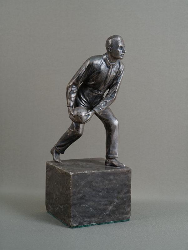 Антиквариат. скульптура, фигура, игра, спорт, боулинг, шар, шпиатр, камень, 20 век
