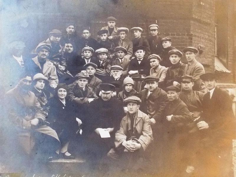 Антиквариат. старинная Фотография. учащиеся. студенты СССР