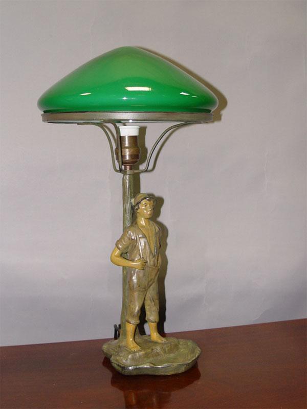 Антиквариат. Лампа настольная «Мальчик», шпиатр, зеленый абажур