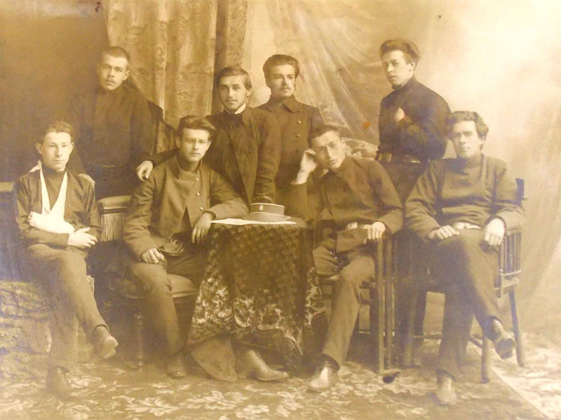 Групповое фото. Студенты Екатеринбургской мужской гимназии, 1880-е годы.  20×16см.