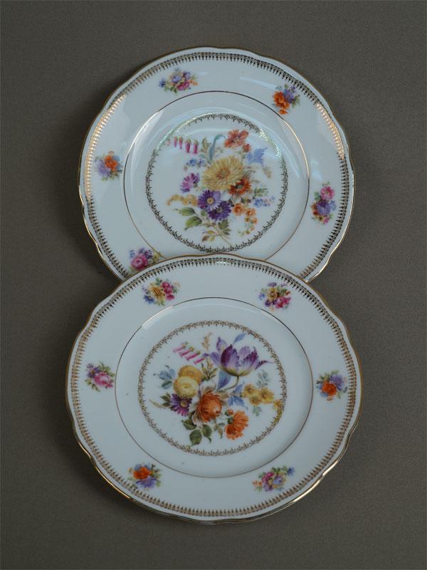 Антиквариат. тарелки, старинный фарфор