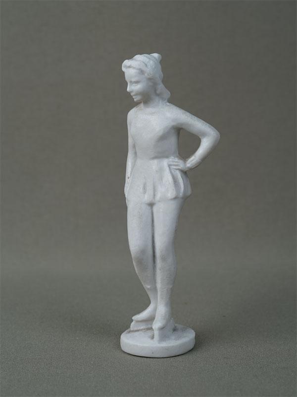 «Фигуристка», пластик, 1950-е годы, высота— 13см