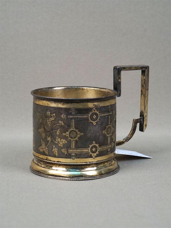 Подстаканник врусском стиле, серебро 84пробы, гравировка, золочение, 1899год, общий вес— 96,32г.