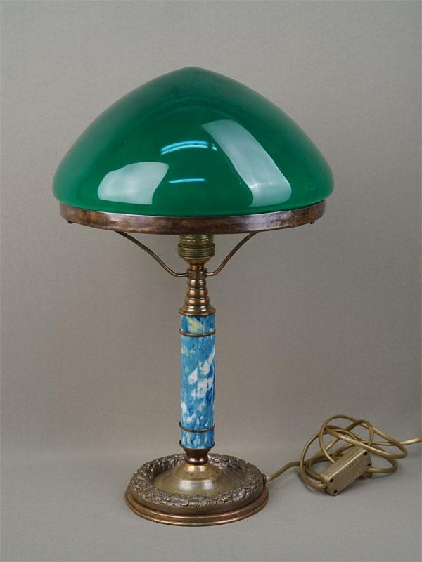 Лампа настольная сзеленым абажуром, бронза, стекло, высота— 46см