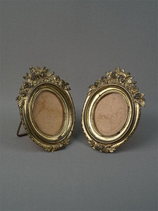 Антиквариат. рамки для фото, бронза