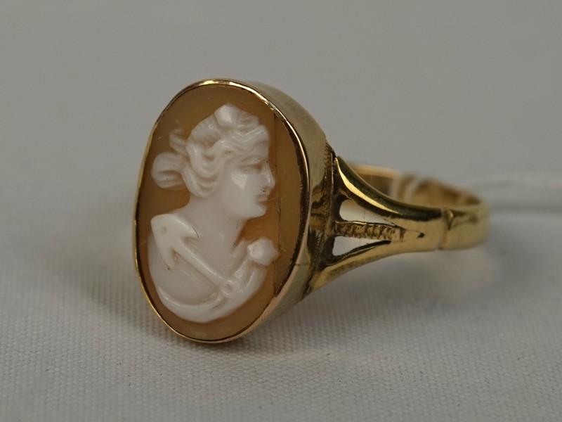 Антиквариат. Кольцо, золото 56 пробы, камея