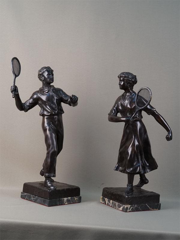 Пара скульптур «Теннисисты», бронза, литье, патинирование; камень. Западная Европа, начало XXвека, высота— 43,5см