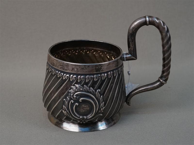 Подстаканник, серебро 84пробы, общий вес— 237,43г.. 1895год