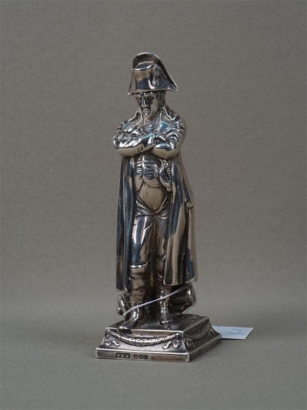 Скульптура «Наполеон», серебро пореактиву, общий вес— 125,7г., высота— 12см, Англия