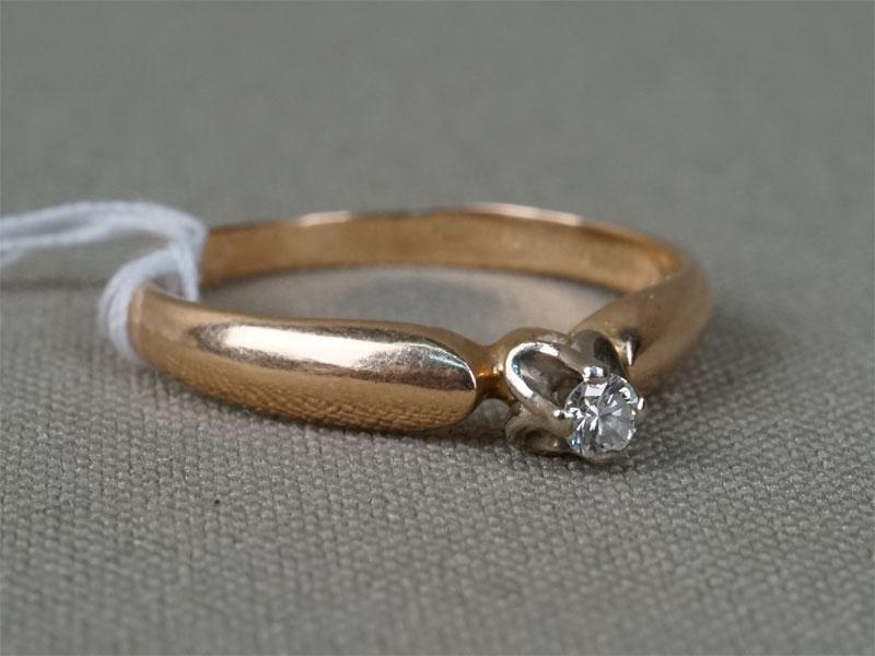 Кольцо, золото 583пробы, 1бриллиант (Кр57— 0,06ct 4/4), общий вес— 1,98г. Размер кольца 17,75.