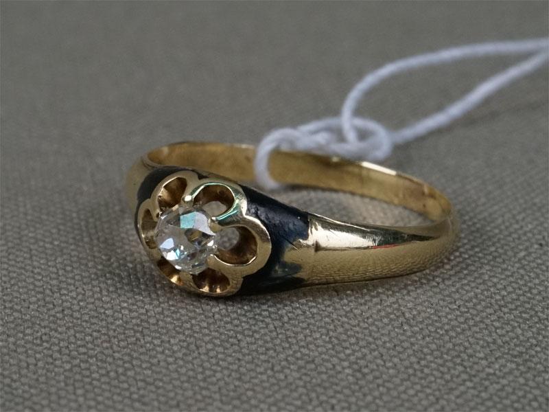 Кольцо, золото пореактиву, общий вес— 2,28г. Вставки: 1бриллиант («Старой» огр. — 0,21ct 4/6), размер кольца 16,0.