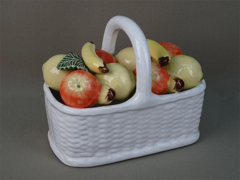 Антиквариат. Декоративная ваза «Корзина с фруктами»