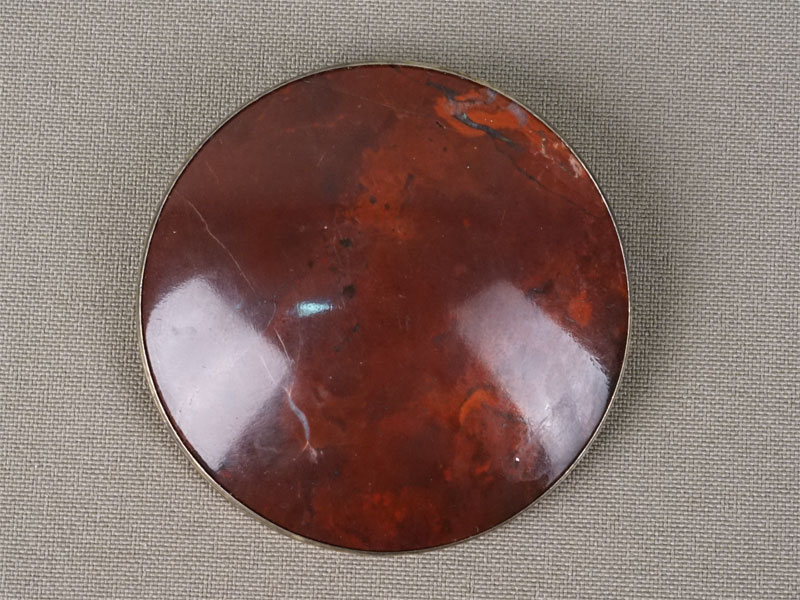 Брошь, серебро 875пробы, яшма, общий вес— 30,7г., диаметр— 5см