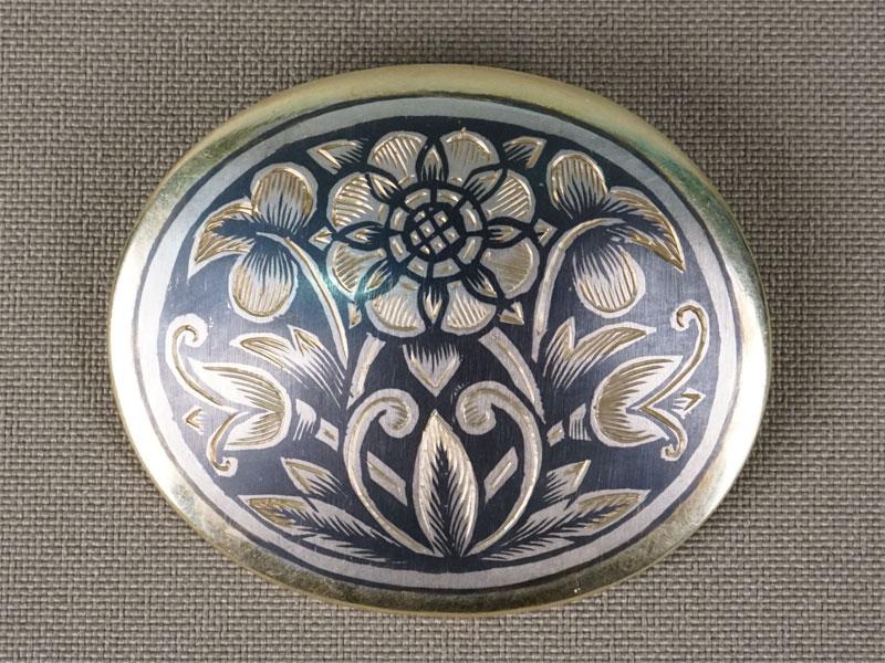 Брошь «Цветы», серебро 875пробы, чернь, золочение, общий вес— 11,78г., 4,5×3,5см