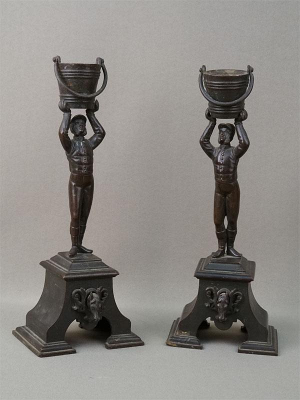 Пара подсвечников «Жокеи», бронза, литье, патинирование, конец XIXвека, высота— 24см
