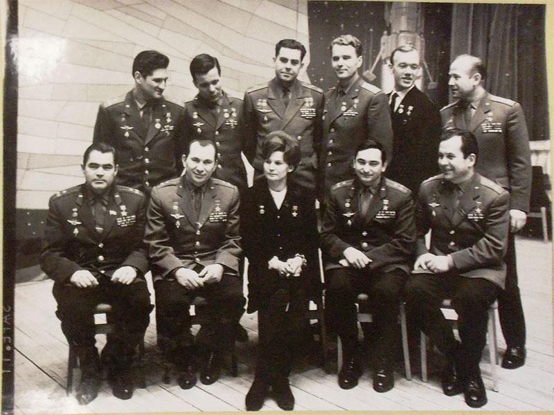 Групповое фото Космонавтов Советского Союза. 1971 год. Оригинальный отпечаток  27×36см. Напаспарту.