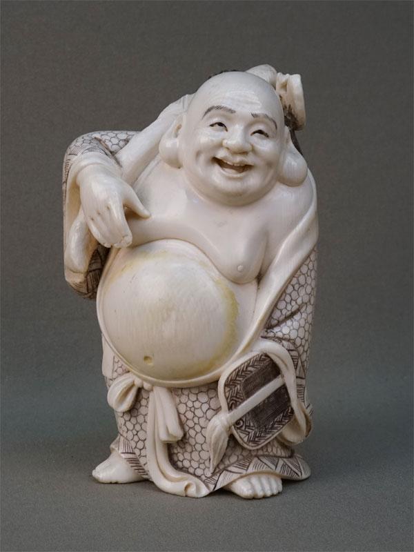 Антиквариат. Окимоно «Хотэй», кость. боги счастья