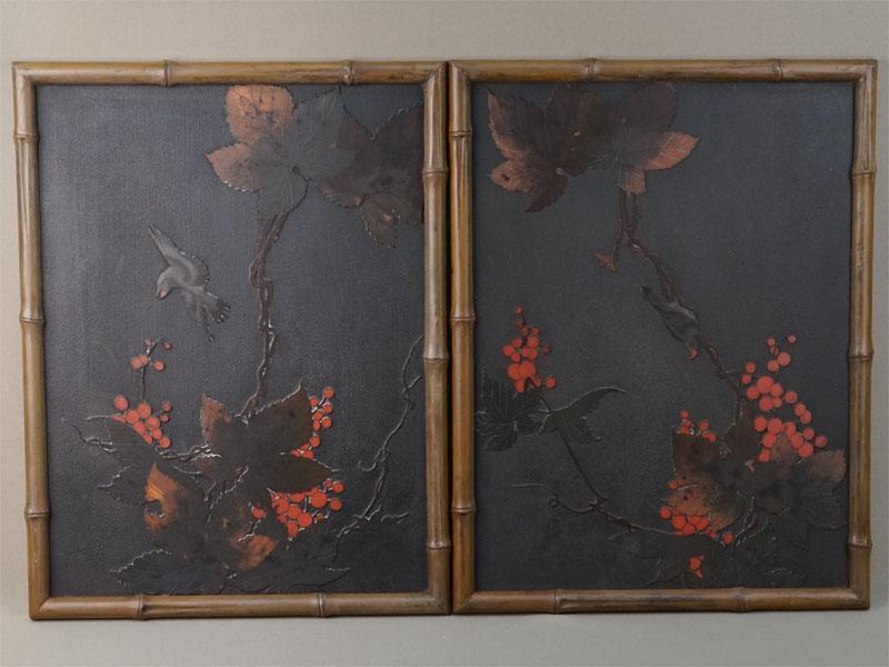 Пара панно «Птицы ивиноград», дерево, лак, медь, эмаль клуазонне, 45×34,5см, конец XIX — начало XXвека