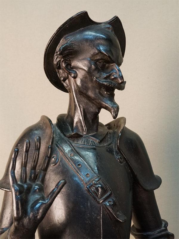 Пара скульптур «Дон Кихот» и«Мефистофель», чугун, литье, покраска. Касли, середина XXвека, высота— 75см