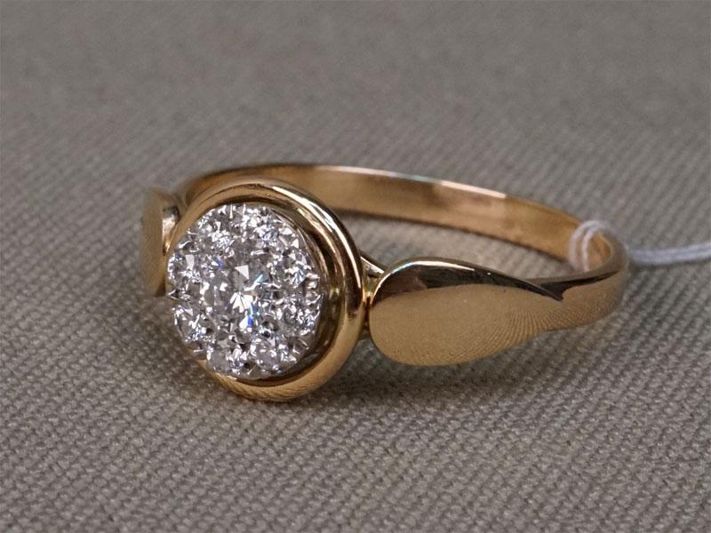 Кольцо, золото 583пробы, общий вес— 3,15г. Вставки: бриллианты (1бр Кр57— 0,15ct 4/5; 8бр Кр57— 0,14ct 4/4-5). Размер кольца 18.