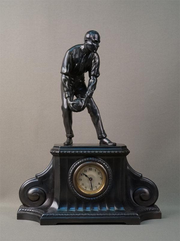 Антиквариат. Часы боулинг, шпиатр спорт спортсмен гандбол гандболист