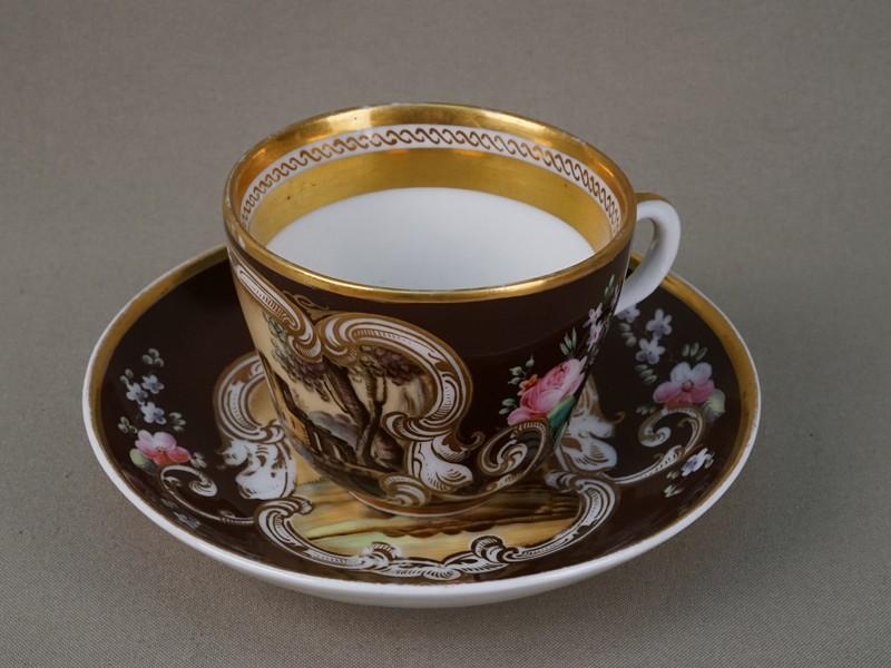 Антиквариат. Чайная чашка, фарфор