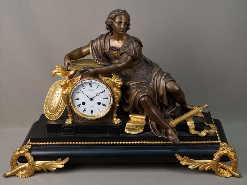Антиквариат. Часы каминные Римлянин, бронза