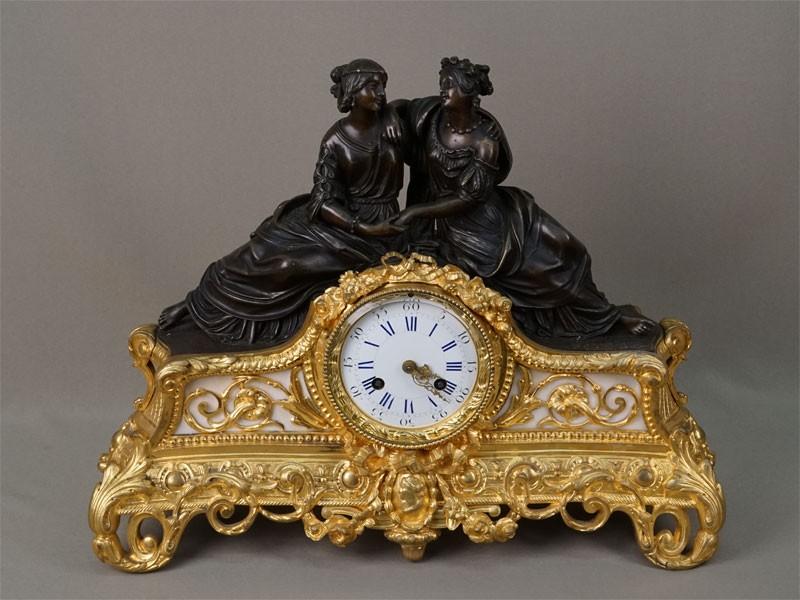 Антиквариат. Часы каминные девушки Сафо, бронза