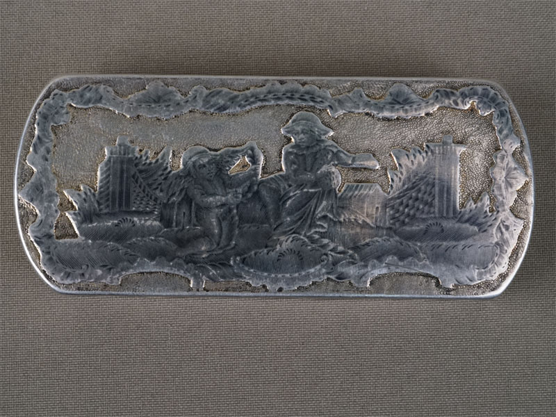 Шкатулка-табакерка, серебро 84пробы, чернь, золочение. Россия, XVIIIвек, общий вес— 84,5г., длина— 9,3см