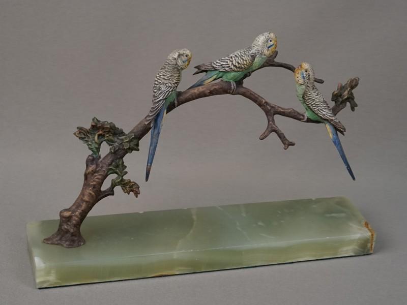 «Волнистые попугаи наветке», венская бронза, конец 19 начало 20 века, оникс, высота— 16см