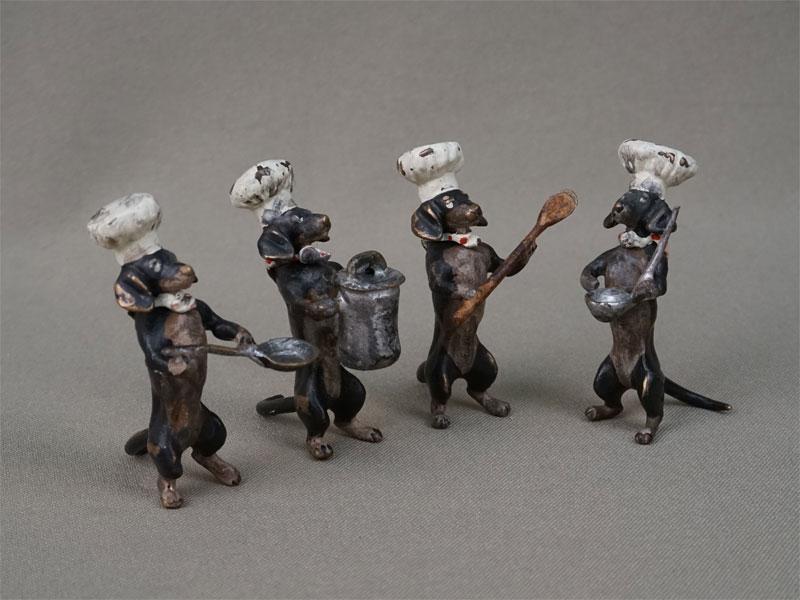 Четыре скульптуры «Таксы-поварята», венская бронза, конец XIX – начало XX века, высота 5см