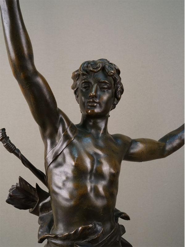 «Юноша-охотник с луком (Актеон)», бронза, литье, патинирование, конец XIX – начало XX века, высота 64см