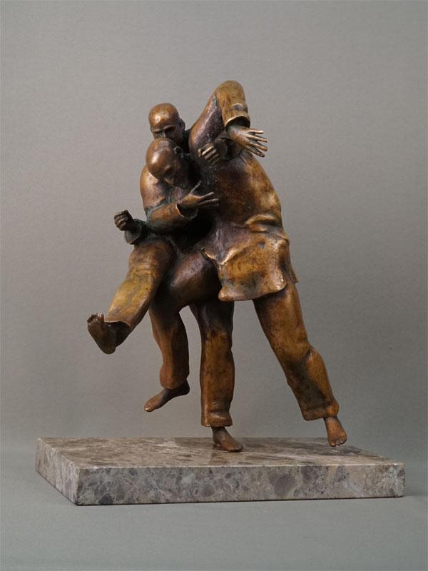 Скульптура «Борцы дзюдо», бронза, литье, подставка камень, высота 36см, автор П. Лизунов, 2019 год