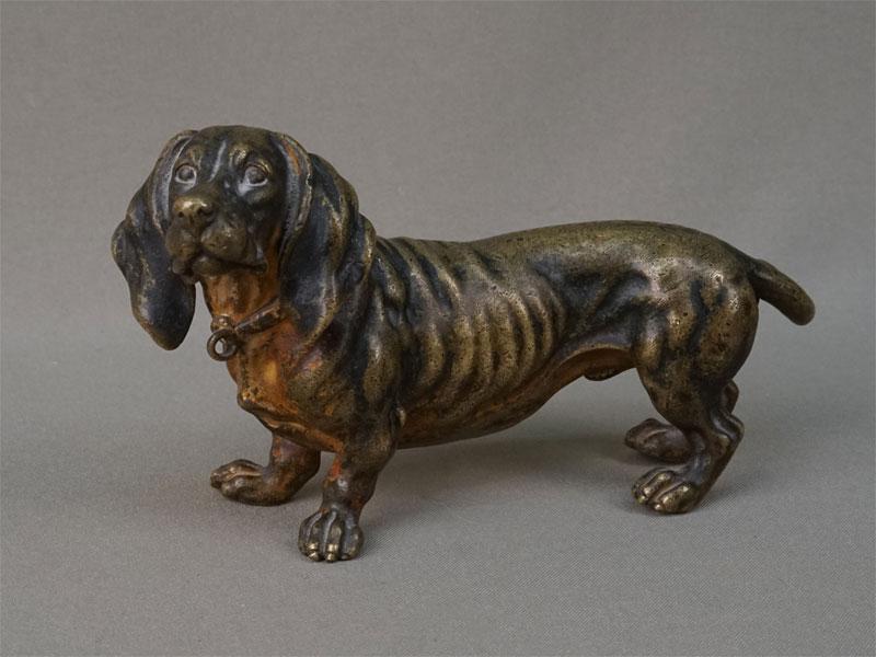 «Такса», венская бронза, конец XIX — начало XX века, длина 17см