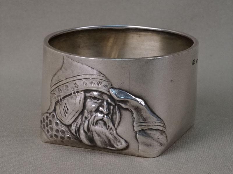 Солонка в русском стиле «Богатырь в дозоре», серебро 84 пробы, М.Тарасов, общий вес 62,14г., диаметр 6,5см