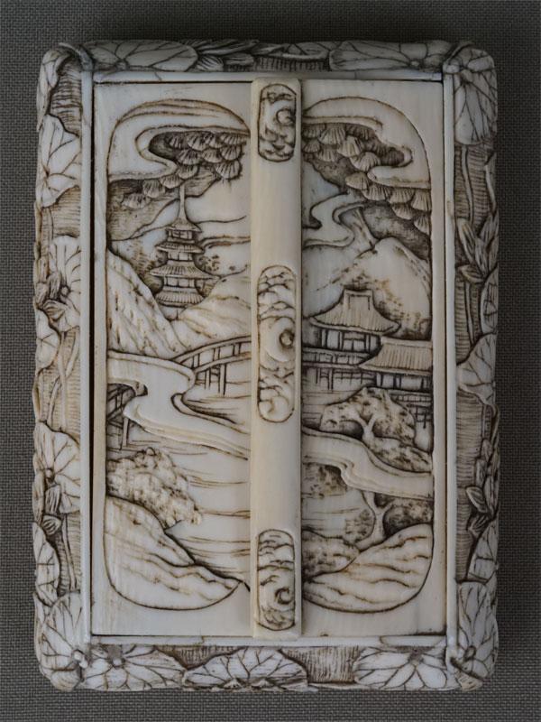 Дорожный буддийский храм, слоновая кость, резьба. Япония, конец XIX века, 9 × 7 × 2см