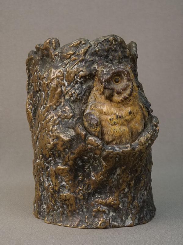 Карандашница «Сова в дупле», венская бронза, конец XIX века, высота 12,5см