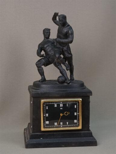 Завода из чугуна касли.1963 продать антикварные часы год часы ломбард киев швейцарские