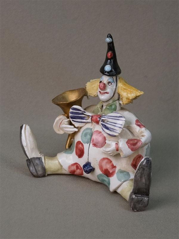 Скульптура «Клоун с трубой», фарфор, роспись. Италия, вторая половина XX века, высота 12см