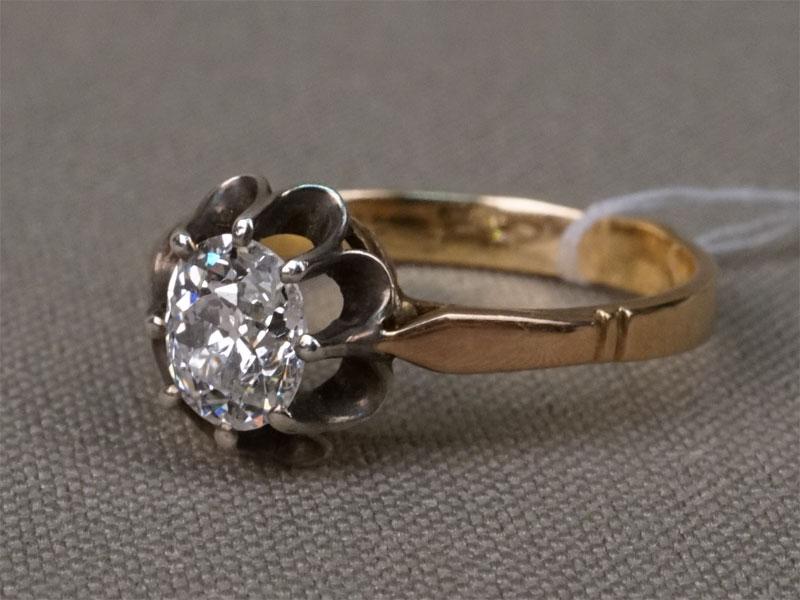Кольцо, золото 583/875 пробы, общий вес 2,23г.  Вставки: 1 бриллиант («Старой» огр. – 0,73ct 6/7). Размер кольца 16,8.