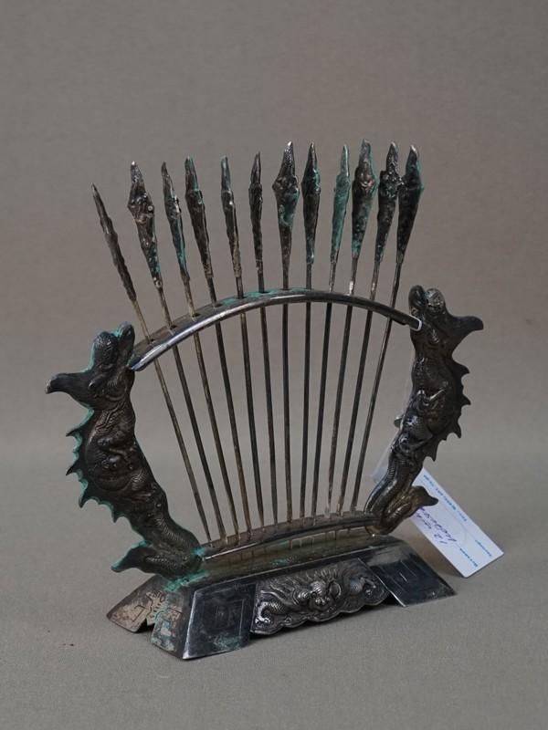 Набор шпажек (12шт.) в подставке, серебро 875 пробы, общий вес 99,4г., высота 12см