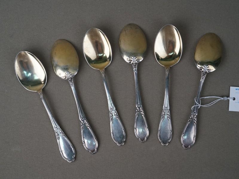 Шесть чайных ложек, серебро по реактиву, золочение. Франция, начало XX века, общий вес 121г.