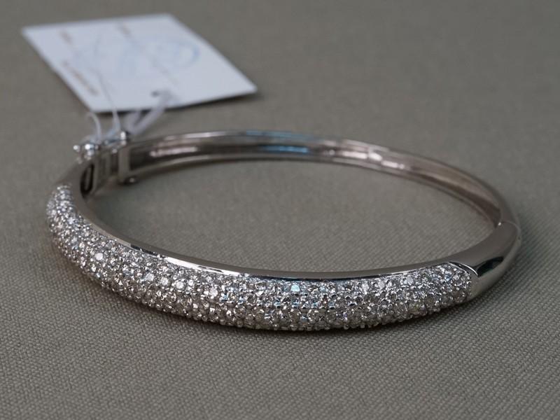 Браслет, золото 750 пробы, вставки: бриллианты (169 бр кр57 2,87 5/4-6), общий вес 16,02г.