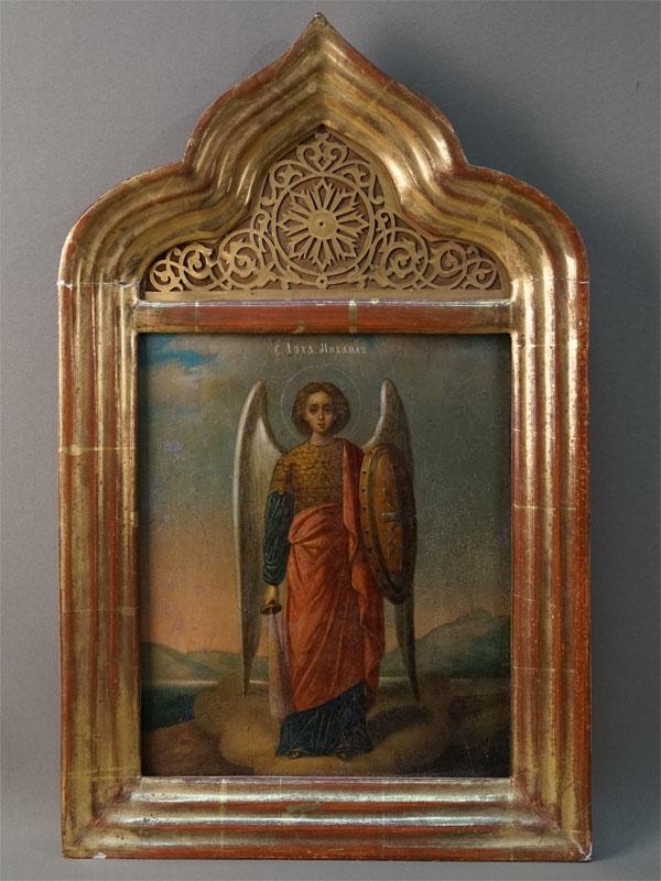 Икона в киоте «Святой Михаил Архангел», дерево, масло, золочение, XIX век, 27 × 22см