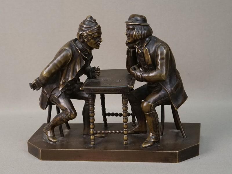 Скульптура «Картежники», бронза, литье, патинирование. Западная Европа, конец XIX века, высота 15,5см, длина 19,2см